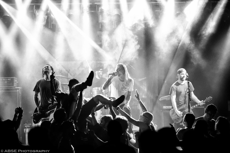 http://music.absephotography.com/wp-content/uploads/2018/08/evergreen_terrace__backstage_halle_munich_2018_metalcore_melodic_hardcore_music_concert_018-800x533.jpg